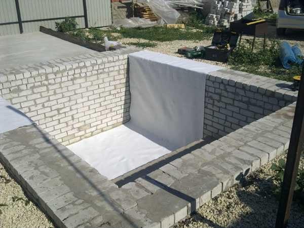 Бассейн из кирпича и блоков своими руками: разные варианты
