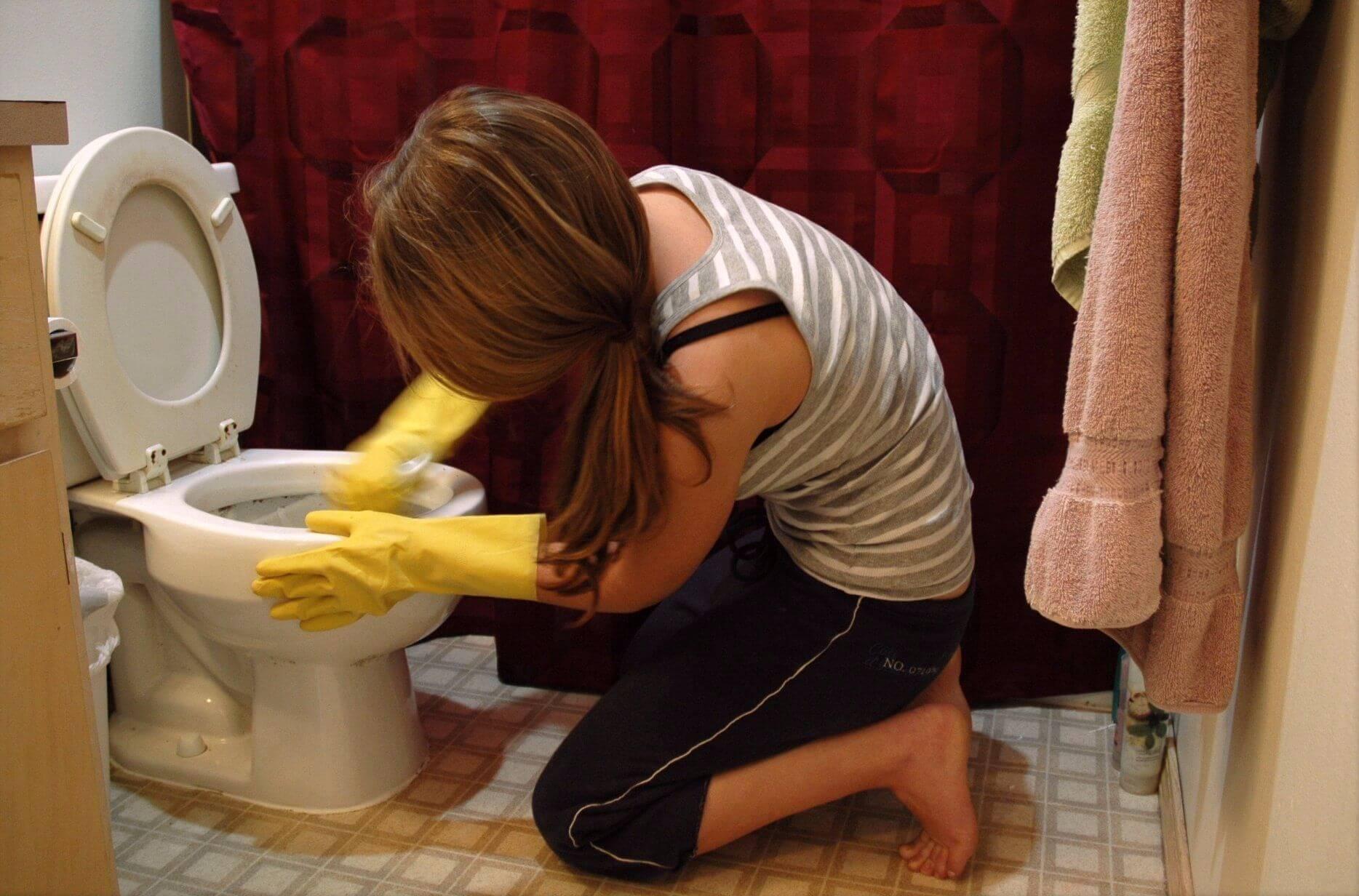 Туалет и девушки, HD cкрытая камера в женском туалете 12 фотография