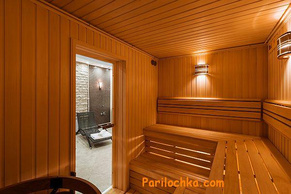 фото финской сауны, стеклянная дверь